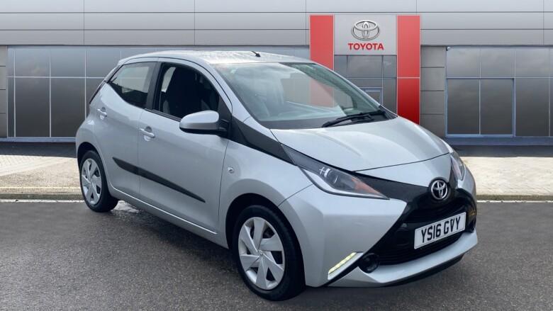 Buy Online Toyota AYGO 1 0 VVT-i X-Play 5dr Petrol Hatchback for
