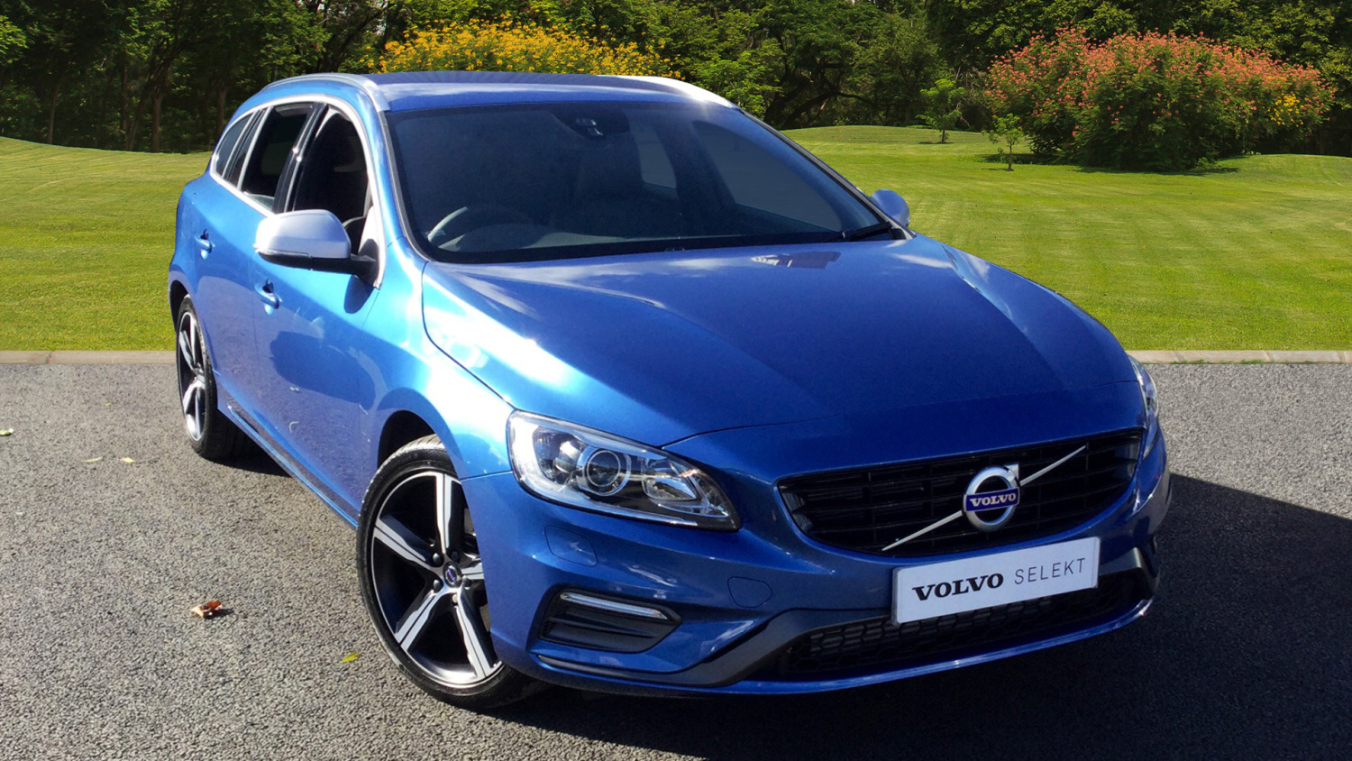 used volvo v60 d4 190 r design lux nav 5dr geartronic ltr diesel estate for sale bristol. Black Bedroom Furniture Sets. Home Design Ideas