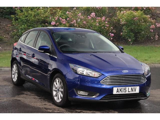 used ford focus 1 0 ecoboost 125 titanium 5dr petrol hatchback for sale bristol street motors. Black Bedroom Furniture Sets. Home Design Ideas