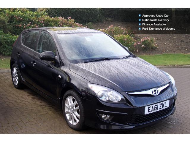 used hyundai i30 1 6 crdi comfort 5dr diesel hatchback for sale bristol street motors. Black Bedroom Furniture Sets. Home Design Ideas