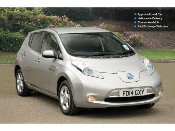 used nissan leaf acenta 5dr auto 6 6kw charger electric hatchback for sale bristol street motors. Black Bedroom Furniture Sets. Home Design Ideas