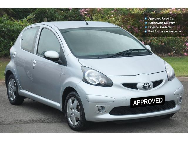 used toyota aygo 1 0 vvt i sport 5dr petrol hatchback for. Black Bedroom Furniture Sets. Home Design Ideas