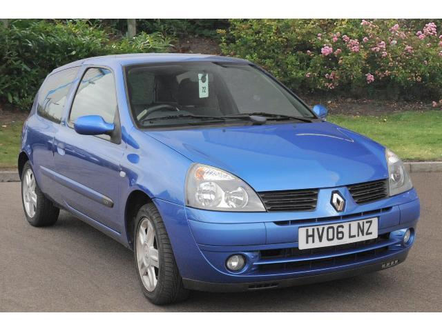 used renault clio 1 2 16v campus sport 3dr petrol hatchback for sale bristol street motors. Black Bedroom Furniture Sets. Home Design Ideas