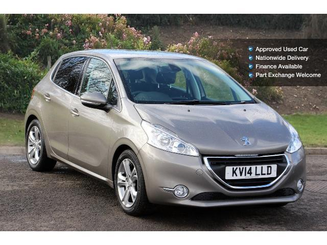 book a used peugeot 208 1 4 hdi allure 5dr diesel hatchback test drive bristol street motors. Black Bedroom Furniture Sets. Home Design Ideas