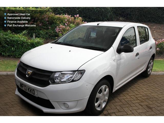 used dacia sandero 1 2 16v ambiance 5dr petrol hatchback for sale bristol street motors. Black Bedroom Furniture Sets. Home Design Ideas