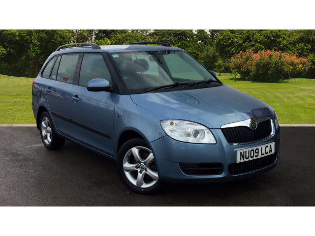 request a callback on a used skoda fabia 1 4 16v 2 5dr petrol estate bristol street motors. Black Bedroom Furniture Sets. Home Design Ideas