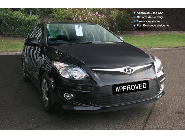 used hyundai i30 1 6 crdi classic 5dr 90 diesel hatchback for sale bristol street motors. Black Bedroom Furniture Sets. Home Design Ideas