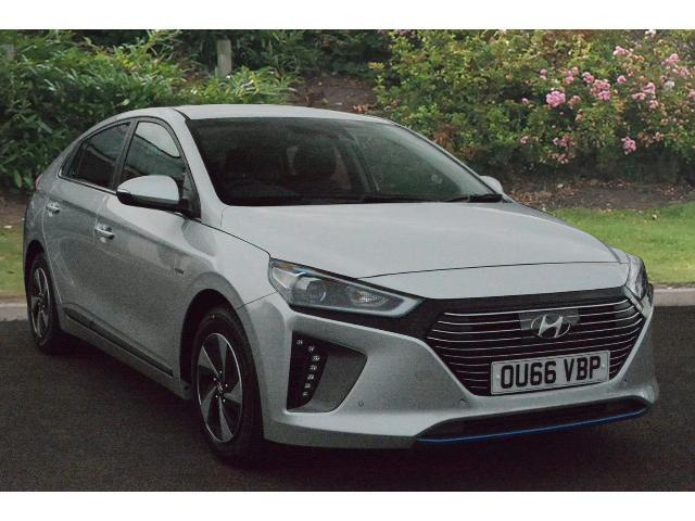 book a used hyundai ioniq 1 6 gdi hybrid premium se 5dr dct hybrid hatchback test drive. Black Bedroom Furniture Sets. Home Design Ideas