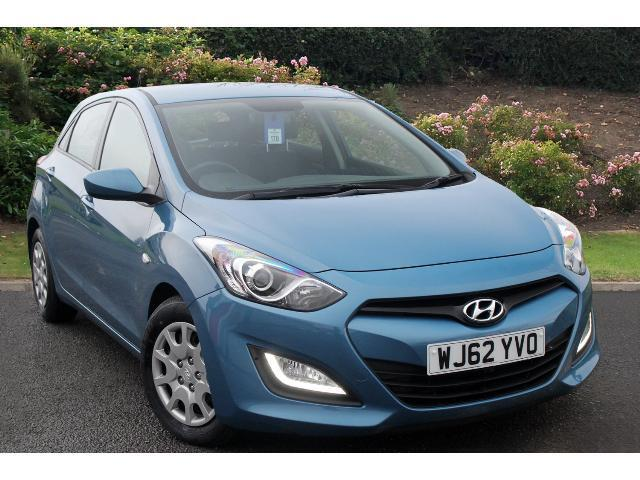 used hyundai i30 1 4 crdi classic 5dr diesel hatchback for sale bristol street motors. Black Bedroom Furniture Sets. Home Design Ideas